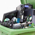 השלכת פסולת אלקטרונית
